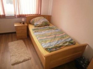 2. Schlafzimmer (Bild 2)